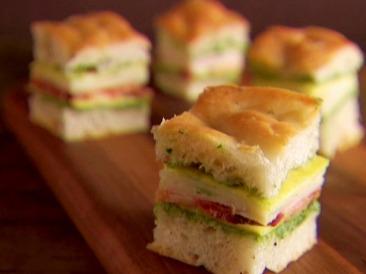 EI0706_Mini-Club-Sandwiches_lg